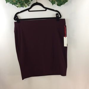 Elle Pull in Pencil Skirt Violet